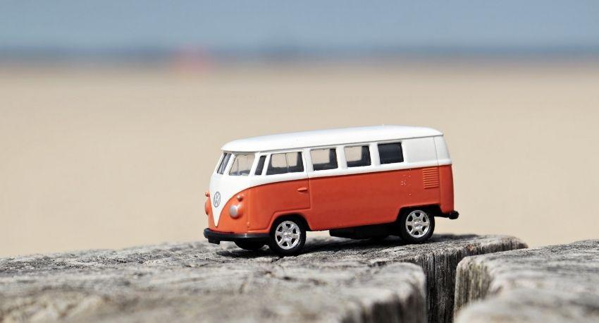 Bus-near-beach