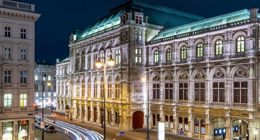 Vista de edificios históricos en Viena, Austria